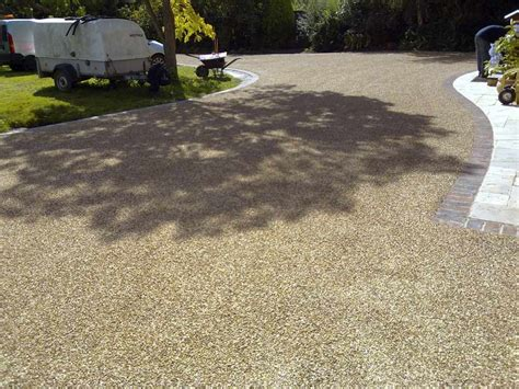 Surface Dressing Tar and Chip Golden Gravel