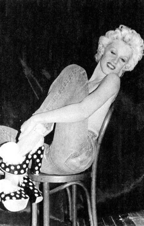 Life and Pictures of Blonde Beauty Icon Cyrinda Foxe, a
