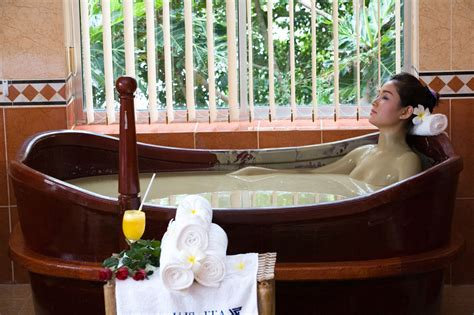 Soak in a Mud Bath and Treat Yourself to a Spa - Voyagin