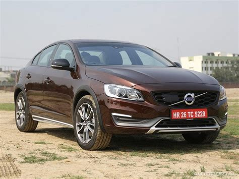 Volvo S60 Cross Country Price in India, Images, Specs