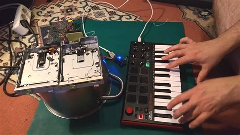 Antti plays with floppy disk drives (USB MIDI host, Teensy
