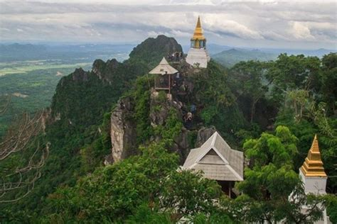 Wat Chaloem Phra 2020, #2 top things to do in nakhon